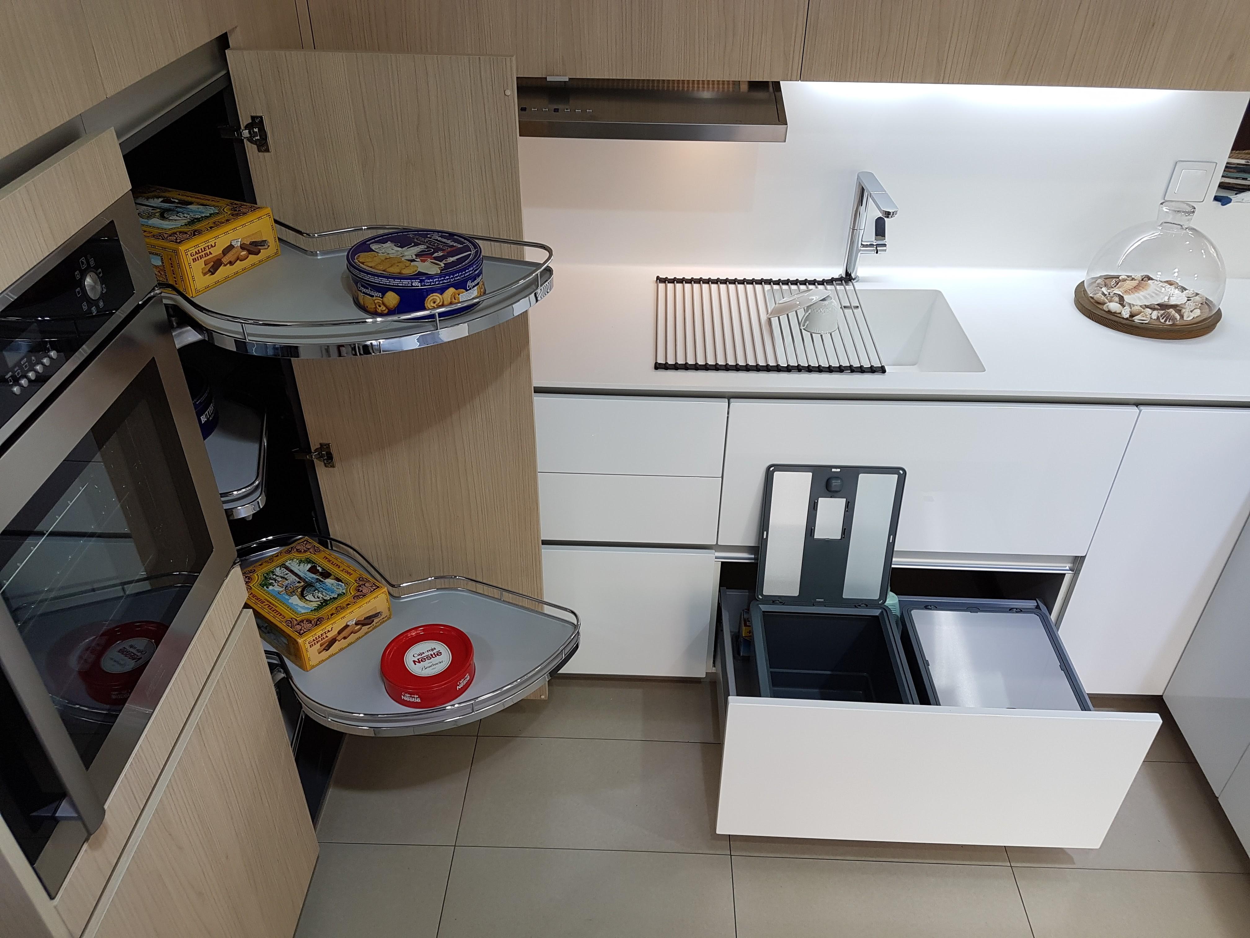 Muebles de cocina exposicion stunning muebles de cocina for Cocinas xey valencia